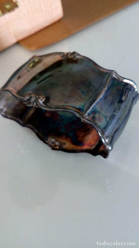 Antigüedades: Servilletero de plata antiguo con iniciales en su estuche - Foto 4 - 139124506