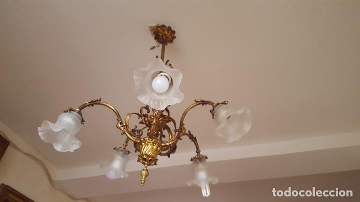 LAMPARA 5 TULIPAS EN BRONCE DORADO (Antigüedades - Iluminación - Lámparas Antiguas)
