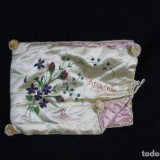 Antigüedades: 100 GUARDA ENSERES DE TOCADOR EN SEDA, FINES S XIX PINTADO A MANO. Lote 139187142