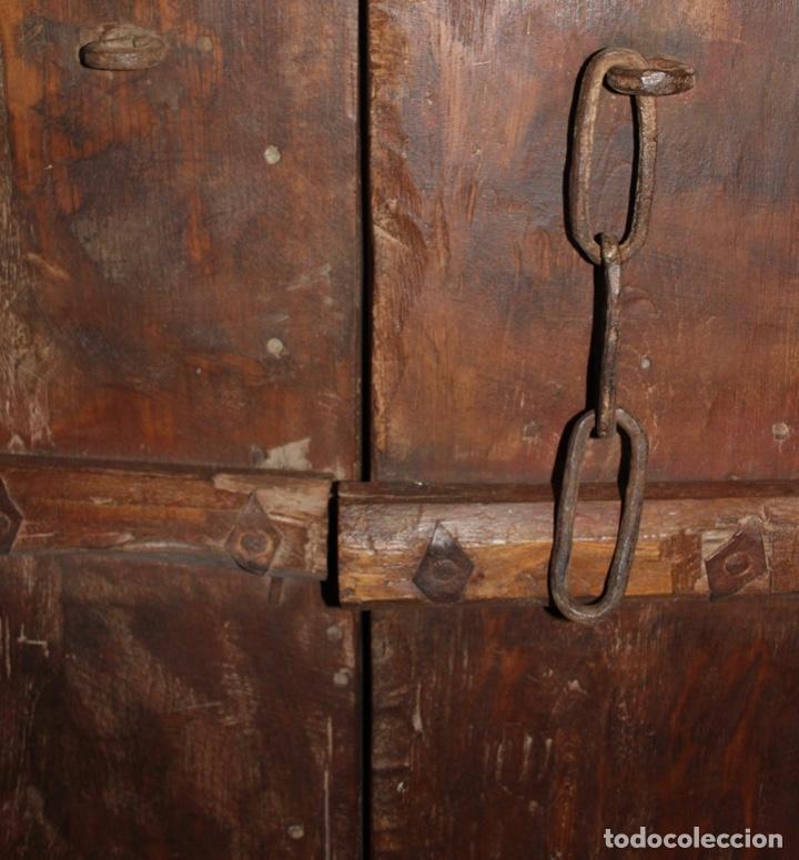 Antigüedades: PUERTA DE MADERA TALLADA ORIGINAL DE INDIA.SIGLO XVIII. - Foto 9 - 139187826