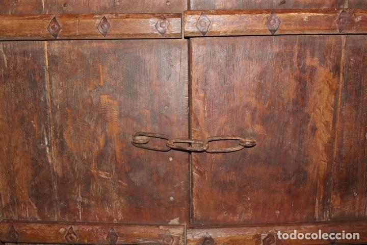 Antigüedades: PUERTA DE MADERA TALLADA ORIGINAL DE INDIA.SIGLO XVIII. - Foto 12 - 139187826