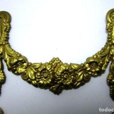 Antigüedades: EMBELLECEDOR ANTIGUO IMPERIO ORIGINAL FRANCIA LATON CIRCA 1840 QUERUBIN CORONA LAUREL . Lote 139237742