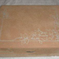 Antigüedades: CAJA JOYERO FORRADA DE TERCIOPELO AÑOS 70. Lote 139242150