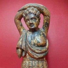 Antigüedades: FIGURA EUROPEA TALLADA EN MADERA. SIGLO XVIII. CON RESTOS DE DORADOS Y POLICROMÍA. Lote 139255230