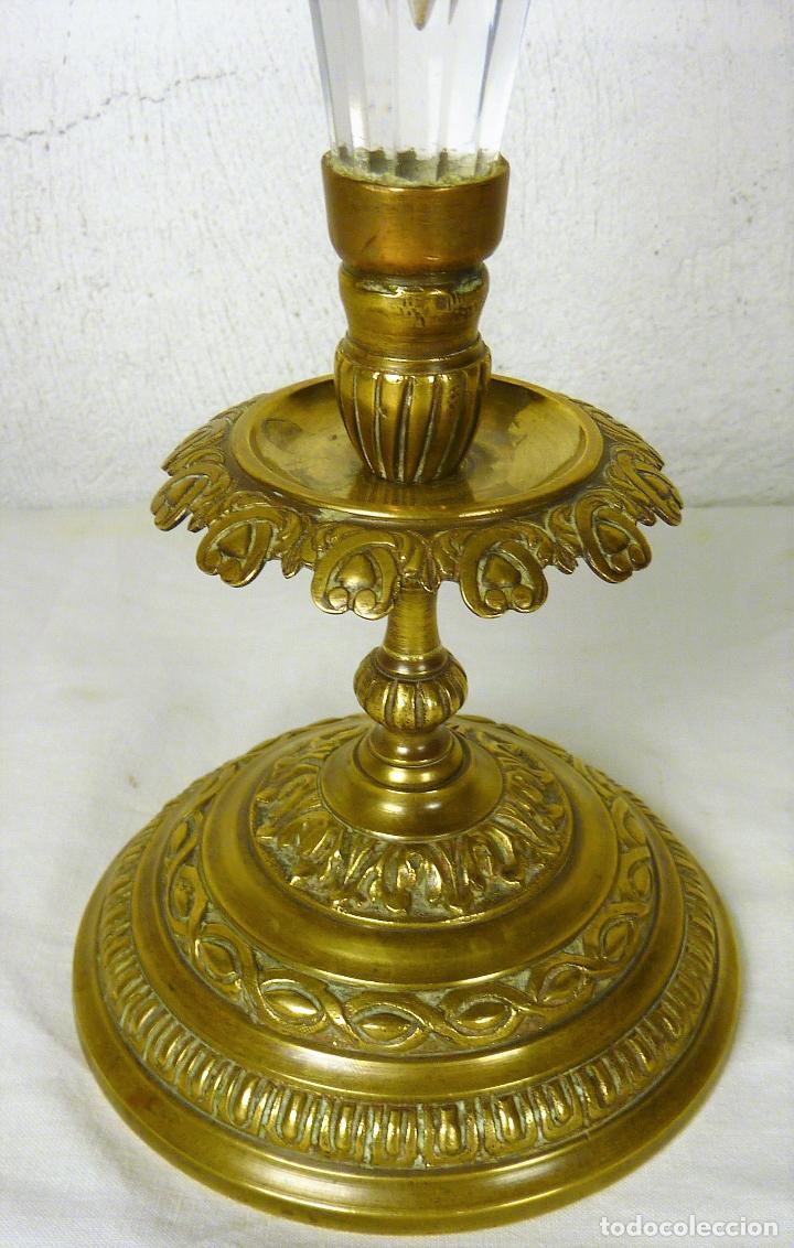 Antigüedades: Gran copa o centro en bronce y cristal tallado, estilo imperio, mitad del siglo XIX - Foto 4 - 139255510