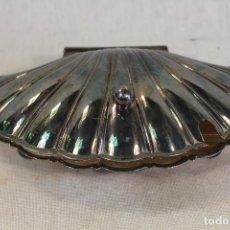 Antigüedades: AZUCARERO CONCHA VIEIRA EN METAL PLATEADO. Lote 139260026