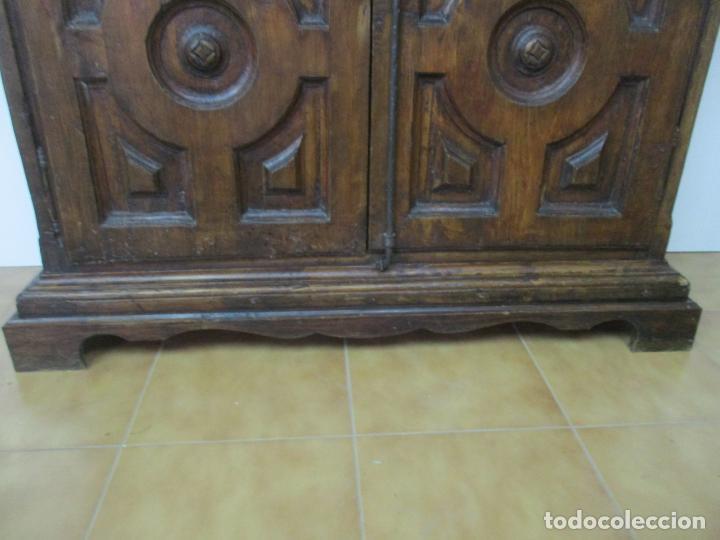 Antigüedades: Antiguo Armario Rústico - Alacena - Mueble Español - Madera de Roble - S. XVII - Foto 2 - 139262390