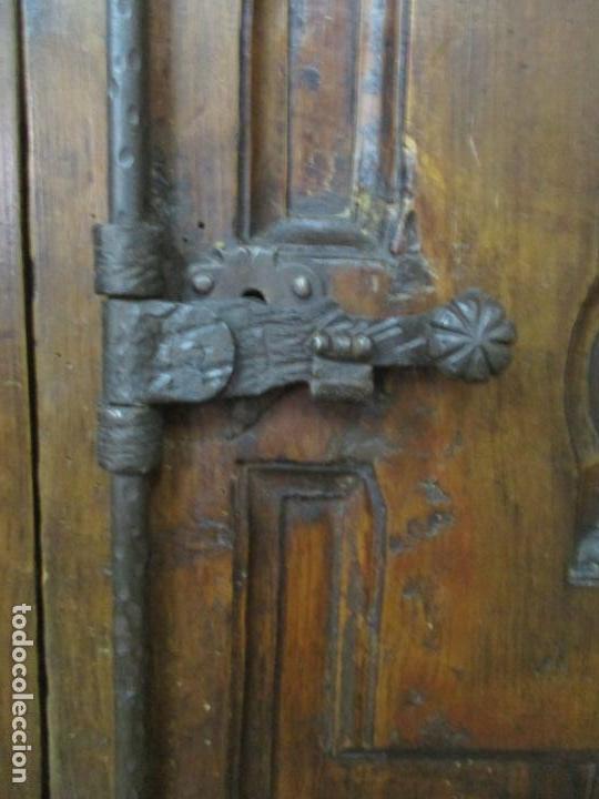 Antigüedades: Antiguo Armario Rústico - Alacena - Mueble Español - Madera de Roble - S. XVII - Foto 8 - 139262390