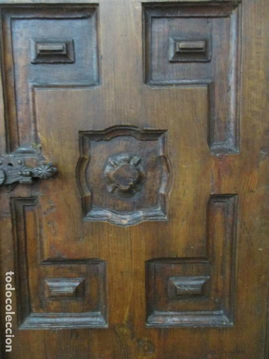 Antigüedades: Antiguo Armario Rústico - Alacena - Mueble Español - Madera de Roble - S. XVII - Foto 11 - 139262390