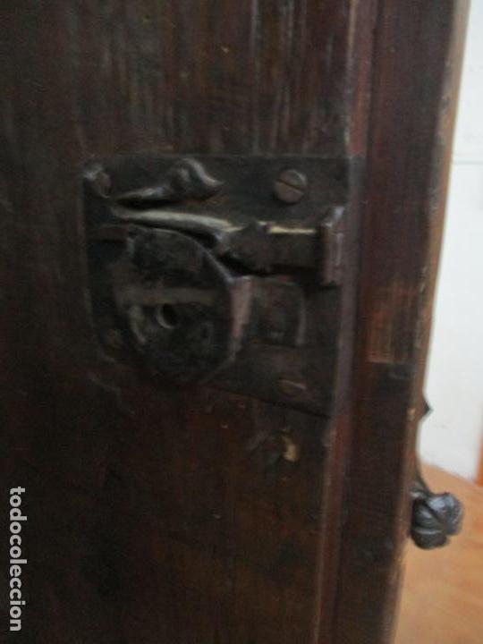 Antigüedades: Antiguo Armario Rústico - Alacena - Mueble Español - Madera de Roble - S. XVII - Foto 22 - 139262390