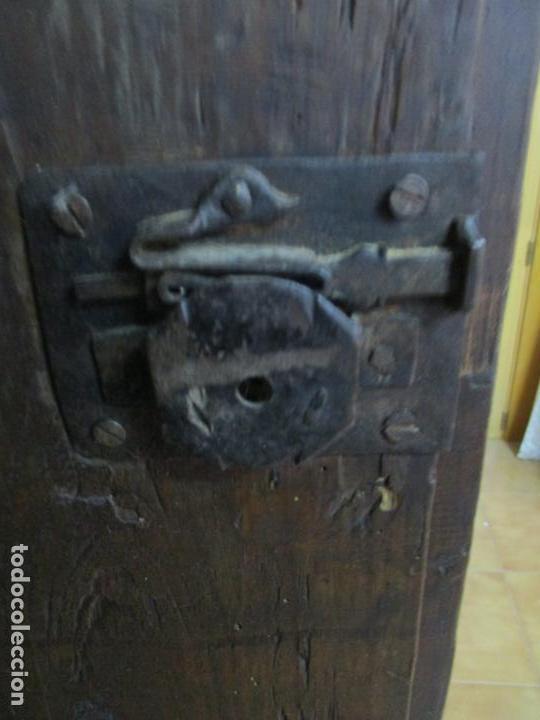 Antigüedades: Antiguo Armario Rústico - Alacena - Mueble Español - Madera de Roble - S. XVII - Foto 23 - 139262390