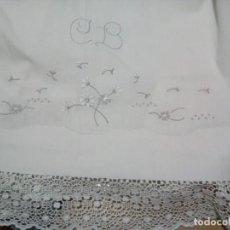 Antigüedades: * SÁBANA BORDADA A MANO. 2M. (RF:LL11/. Lote 139280622