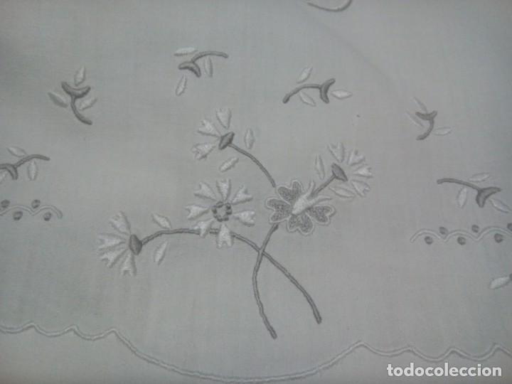 Antigüedades: * SÁBANA BORDADA A MANO. 2M. (Rf:LL11/ - Foto 4 - 139280622