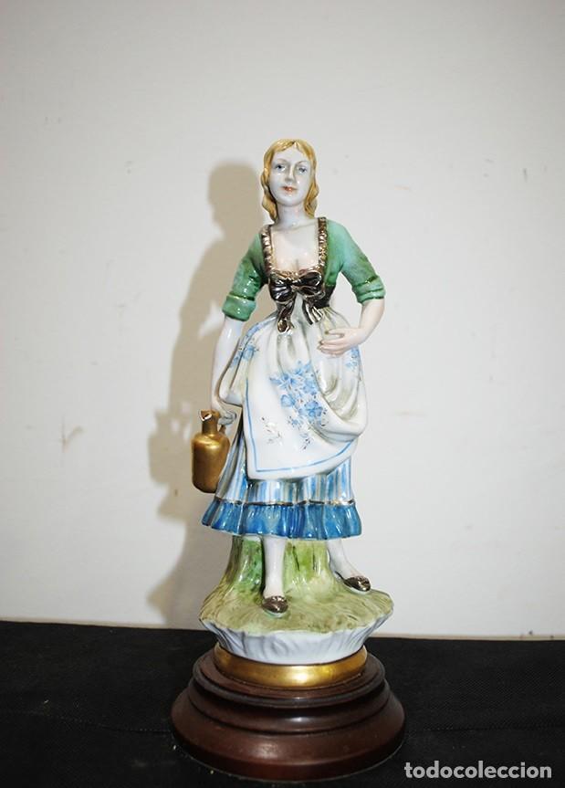FIGURA ANTIGUA DAMA PORCELANA (Antigüedades - Hogar y Decoración - Figuras Antiguas)