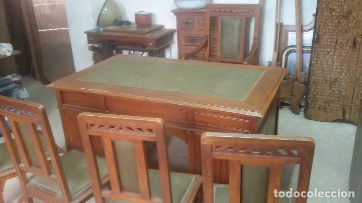 Antigüedades: Mesa de despacho con juego de sillas y sillón - Foto 5 - 139326794