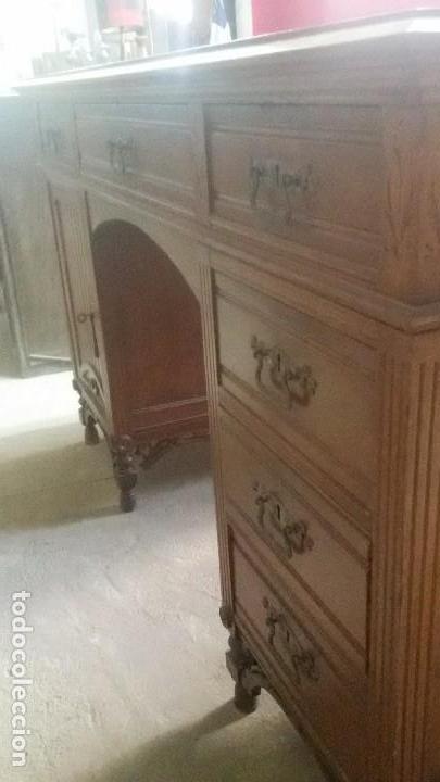 MESA DE DESPACHO CON JUEGO DE SILLAS Y SILLÓN (Antigüedades - Muebles Antiguos - Mesas de Despacho Antiguos)
