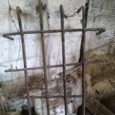 Antigüedades: REJA DE FORJA M130X80. Lote 139342864