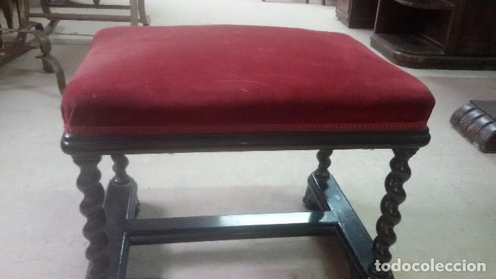 Antigüedades: Juego de dos sillones y banqueta reposapies - Foto 5 - 139345026