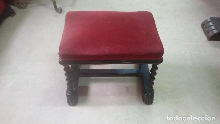 Antigüedades: Juego de dos sillones y banqueta reposapies - Foto 8 - 139345026