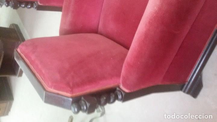 Antigüedades: Juego de dos sillones y banqueta reposapies - Foto 10 - 139345026