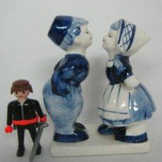 Antigüedades: FIGURA NIÑOS PORCELANA HOLANDESA DELFT BLUE MARCAS. Lote 139350862