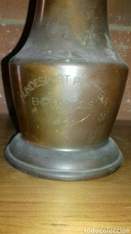 Antigüedades: Jarra suiza, antigua. 1936. Estaño y cobre, fue un trofeo de concurso de belleza canina. - Foto 3 - 139361194