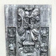 Antigüedades: ESPECTACULAR TABLA EFECTO RETABLO, , NEGRO Y PLATA,. Lote 139362418