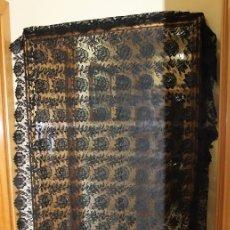 Antigüedades: MANTILLA ESPAÑOLA DE PRINCIPIOS DEL SIGLO XX. MEDIDAS: 200 X 100 CM.. Lote 139390110