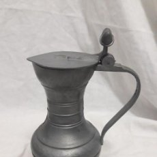Antigüedades: ANTIGUA JARRA CON TAPA DE ESTAÑO FIRMADA EN LA BASE. Lote 139418362