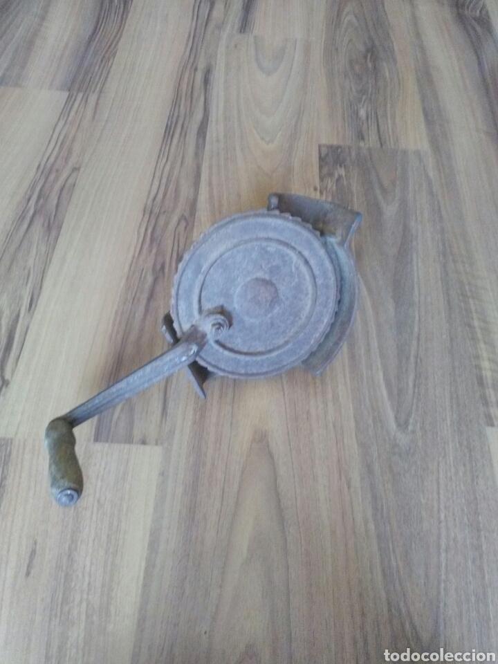 Antigüedades: Máquina desgranador de maíz, mazorcas - Foto 3 - 139418498