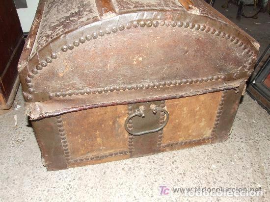 Antigüedades: BAUL MADERA Y PIEL - Foto 5 - 139455214