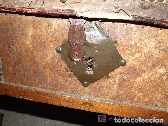Antigüedades: BAUL MADERA Y PIEL - Foto 6 - 139455214