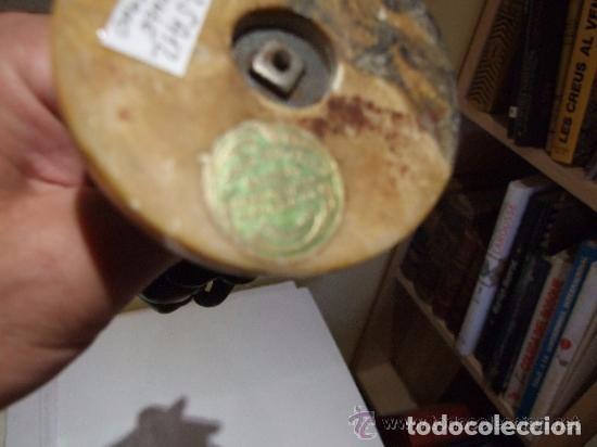 Antigüedades: FIGURA ESCULTURA MODERNISTA DE ESTAÑO , NIÑA CON PAN FIRMADA - Foto 5 - 139456202