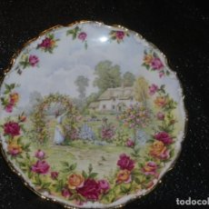 Antigüedades: ROYAL ALBERT OLD COUNTRY ROSES GARDEN PLATO COMMEMORATIVO. Lote 140930606
