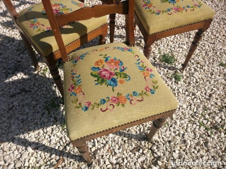 Antigüedades: juego de salón luis xv ,sofa,2 sillones ,4 sillas,2 reposa pies 1 cojín,todo completamente bordado - Foto 7 - 139462226
