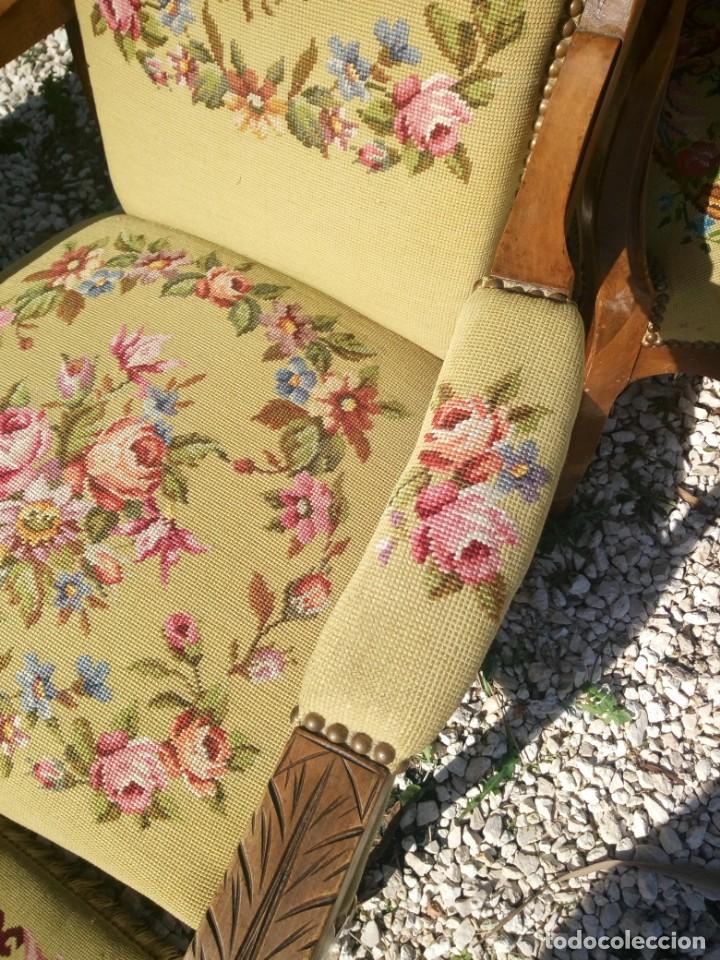 Antigüedades: juego de salón luis xv ,sofa,2 sillones ,4 sillas,2 reposa pies 1 cojín,todo completamente bordado - Foto 18 - 139462226