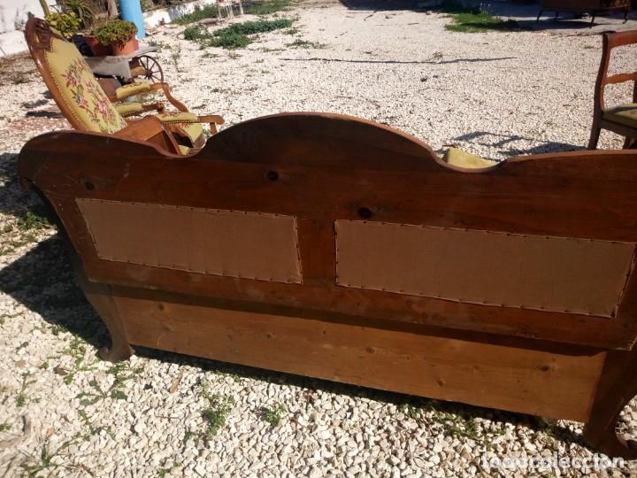 Antigüedades: juego de salón luis xv ,sofa,2 sillones ,4 sillas,2 reposa pies 1 cojín,todo completamente bordado - Foto 28 - 139462226