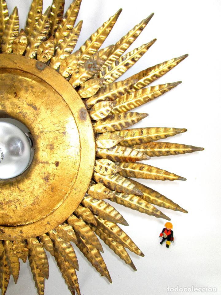 GRAN LAMPARA HIERRO TRIPLE HILADA FORJA DORADA TIPO SOL A JUEGO ESPEJO (Antigüedades - Iluminación - Lámparas Antiguas)