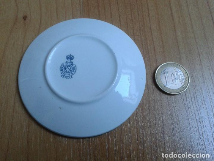 Antigüedades: Plato cerámica - San Juan - Sevilla - Heráldica, Pedro Domecq - Vinos, Jerez, Coñac - Ribete en oro - Foto 2 - 139547526