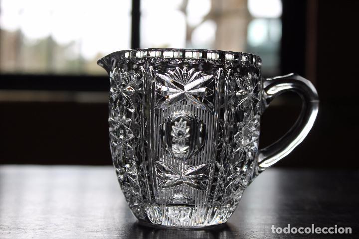 JARRA DE CRISTAL TALLADO PEQUEÑA (Antigüedades - Cristal y Vidrio - Otros)