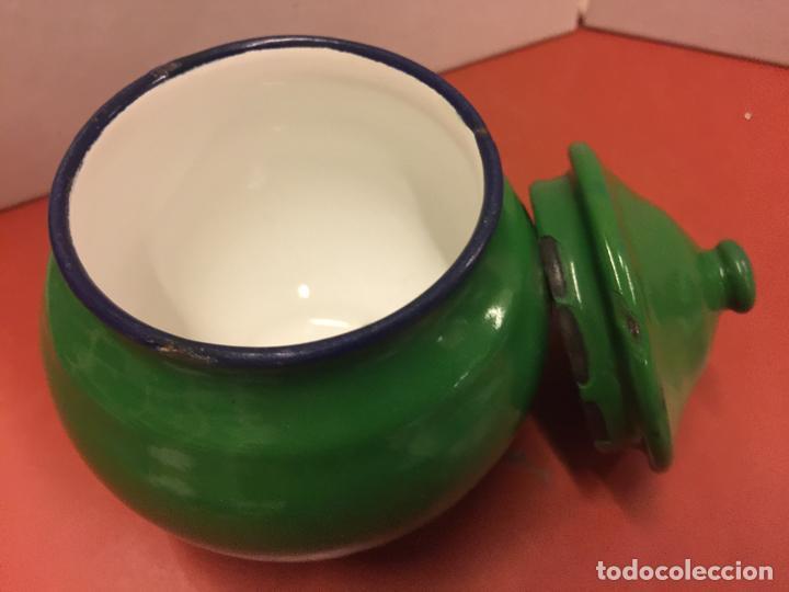 Antigüedades: Antiguo azucarero metalico esmaltado. Ideal decoracion o uso. - Foto 4 - 139629806