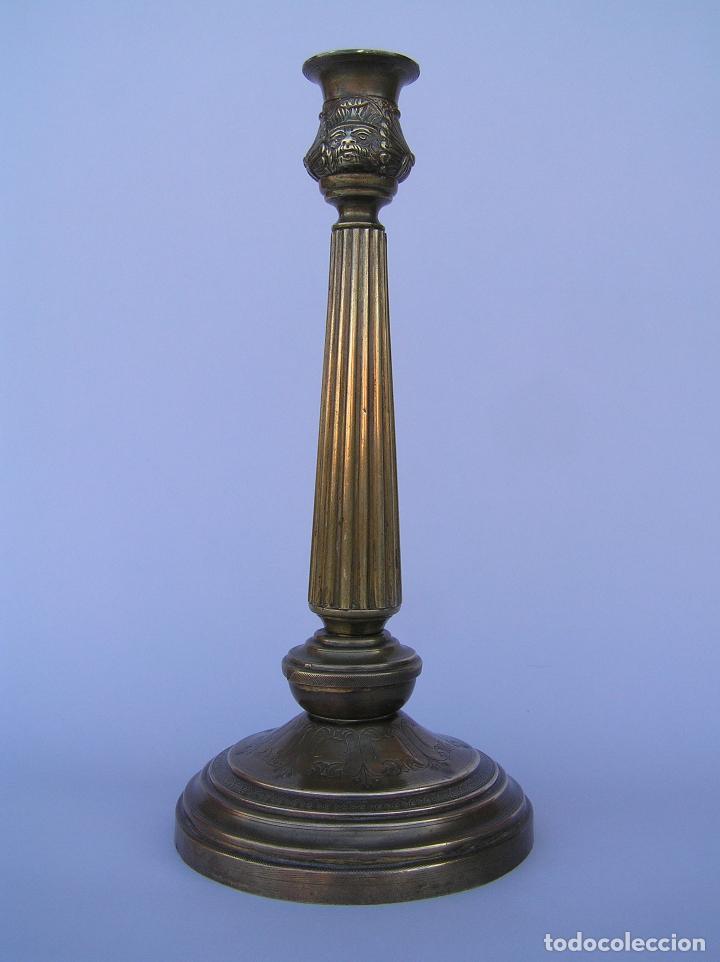 Antigüedades: CANDELERO BRONCE-LATÓN. S. XVIII. estilo Imperio .25 cm. - Foto 2 - 139630614