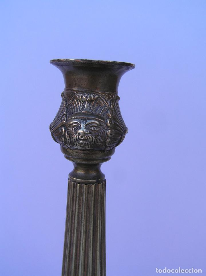 Antigüedades: CANDELERO BRONCE-LATÓN. S. XVIII. estilo Imperio .25 cm. - Foto 3 - 139630614