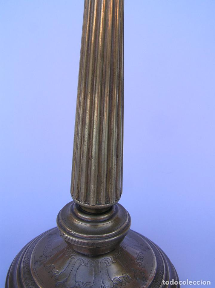 Antigüedades: CANDELERO BRONCE-LATÓN. S. XVIII. estilo Imperio .25 cm. - Foto 4 - 139630614