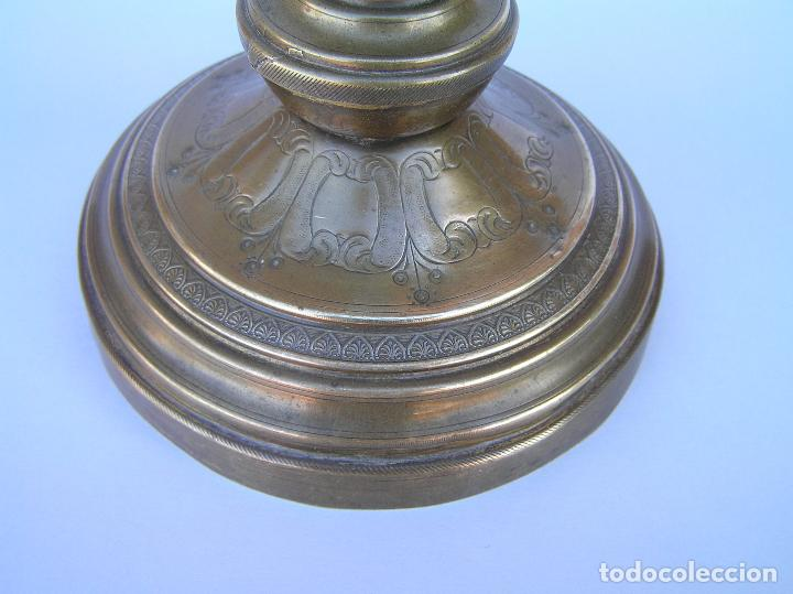 Antigüedades: CANDELERO BRONCE-LATÓN. S. XVIII. estilo Imperio .25 cm. - Foto 5 - 139630614