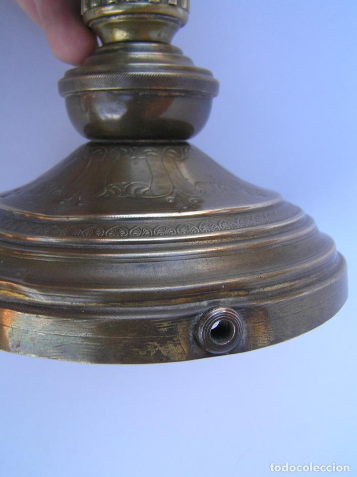 Antigüedades: CANDELERO BRONCE-LATÓN. S. XVIII. estilo Imperio .25 cm. - Foto 10 - 139630614