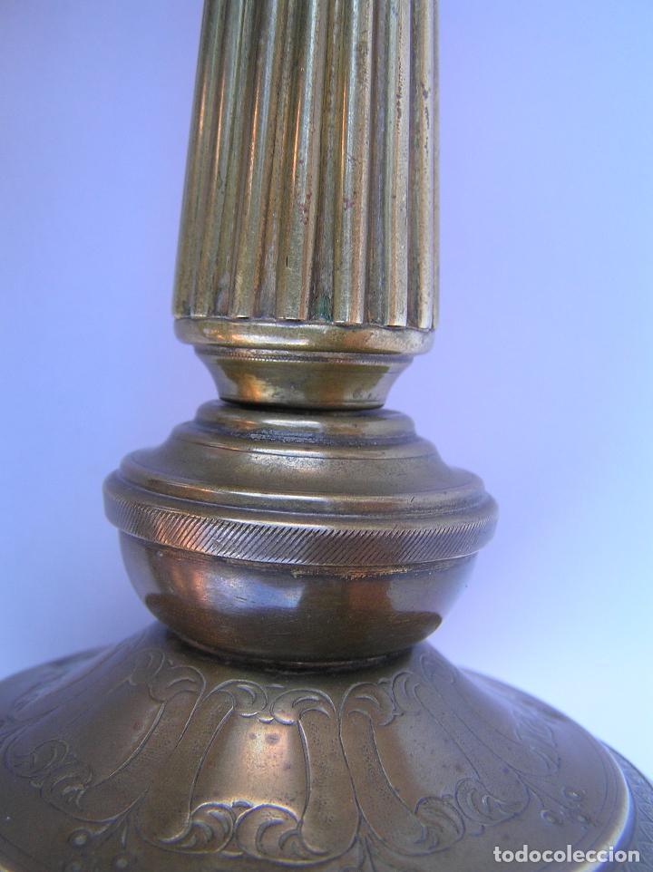 Antigüedades: CANDELERO BRONCE-LATÓN. S. XVIII. estilo Imperio .25 cm. - Foto 20 - 139630614