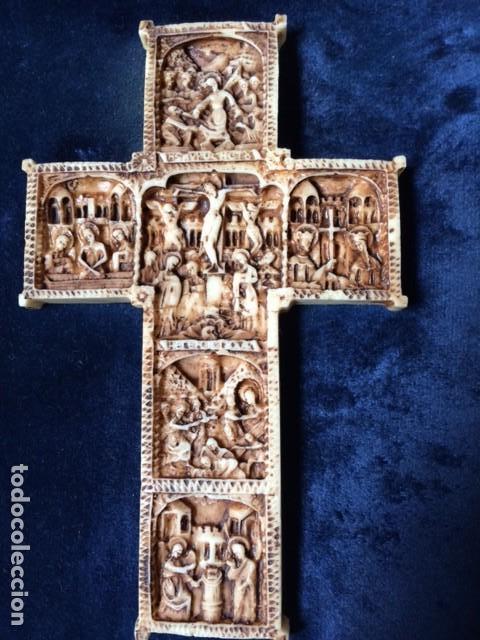 Antigüedades: CRUZ TALLA EN BAJO-RELIEVE ENMARCADO. RESINA O SIMILAR- RICO DETALLE. - Foto 3 - 176270017