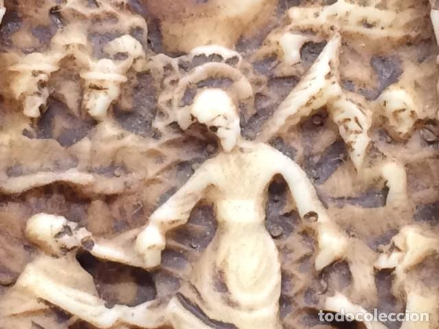 Antigüedades: CRUZ TALLA EN BAJO-RELIEVE ENMARCADO. RESINA O SIMILAR- RICO DETALLE. - Foto 5 - 176270017