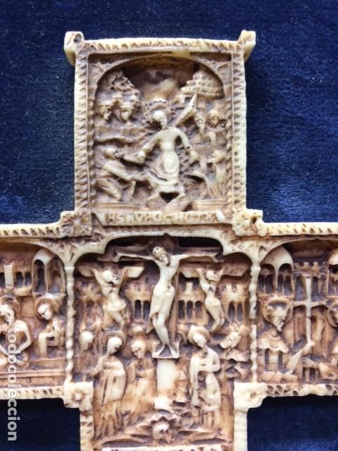 Antigüedades: CRUZ TALLA EN BAJO-RELIEVE ENMARCADO. RESINA O SIMILAR- RICO DETALLE. - Foto 11 - 176270017